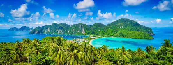 panorama-of-tropical-islands-P2DQ4GJ.jpg