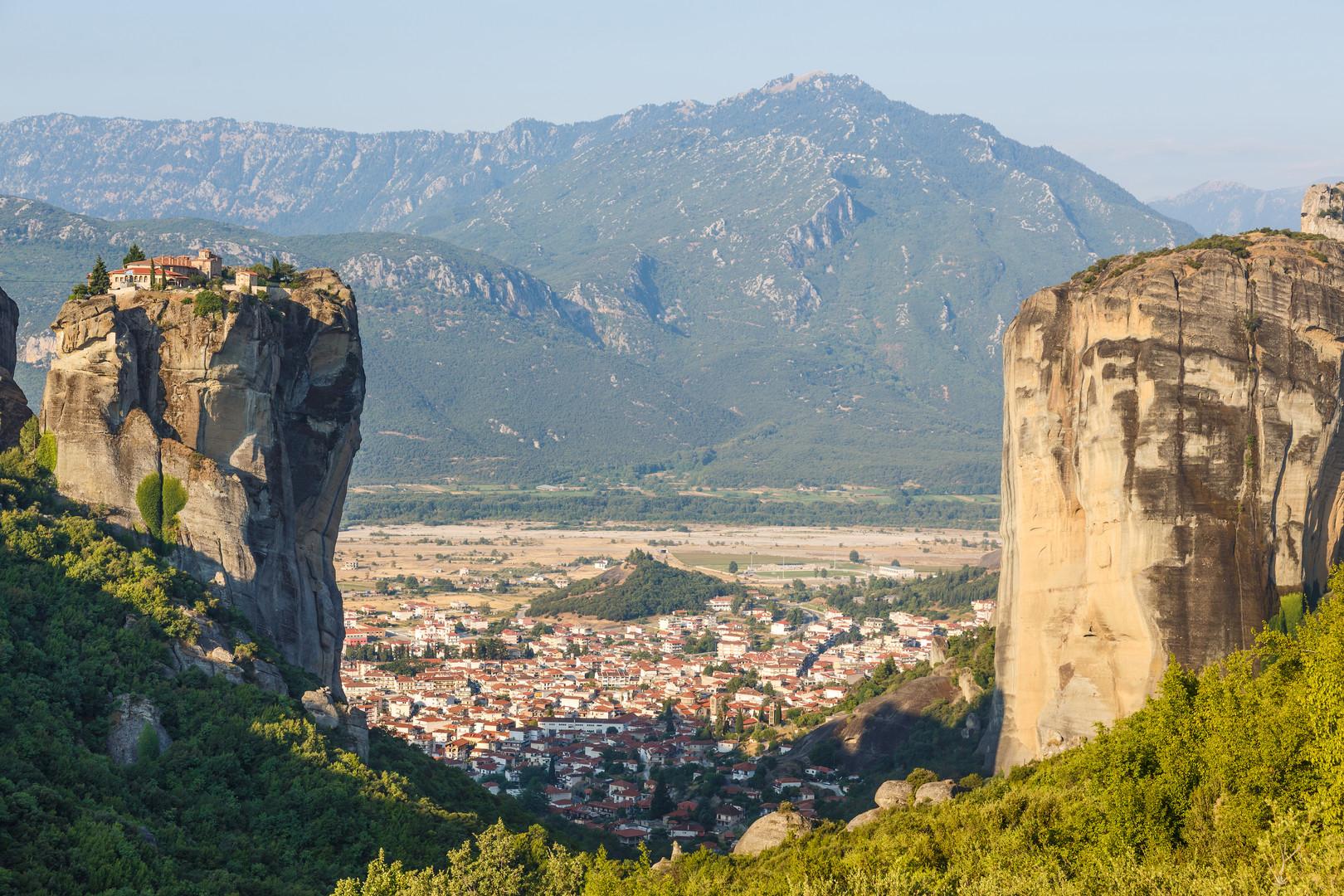 monastery-holy-trinity-in-meteora-kalamb