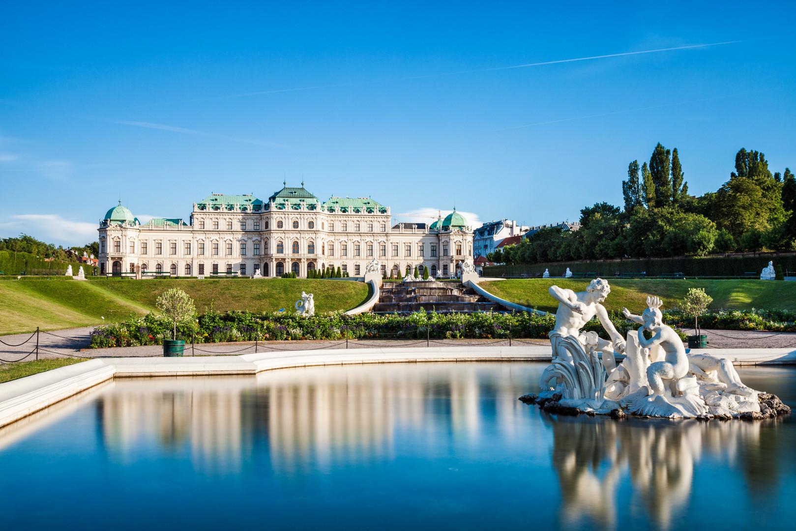 belvedere-palace-in-vienna-austria-PJNUW