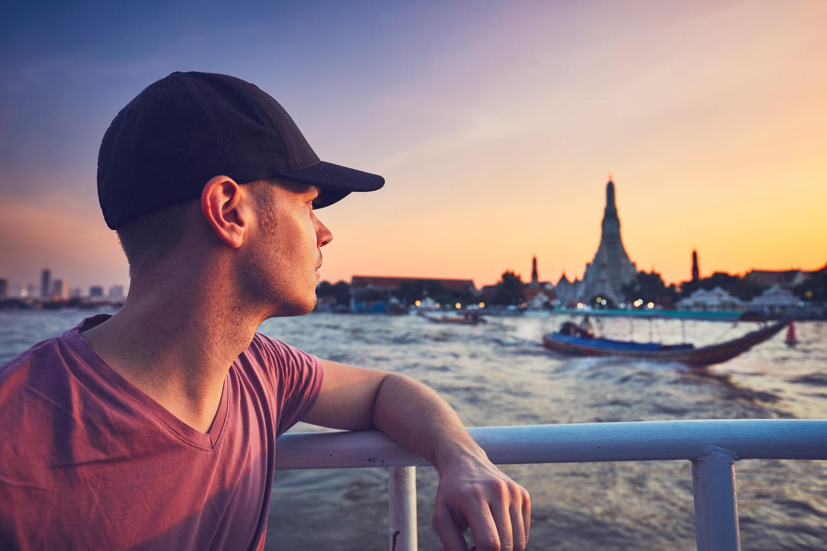 bangkok-at-the-sunset-PT6VHL6.jpg