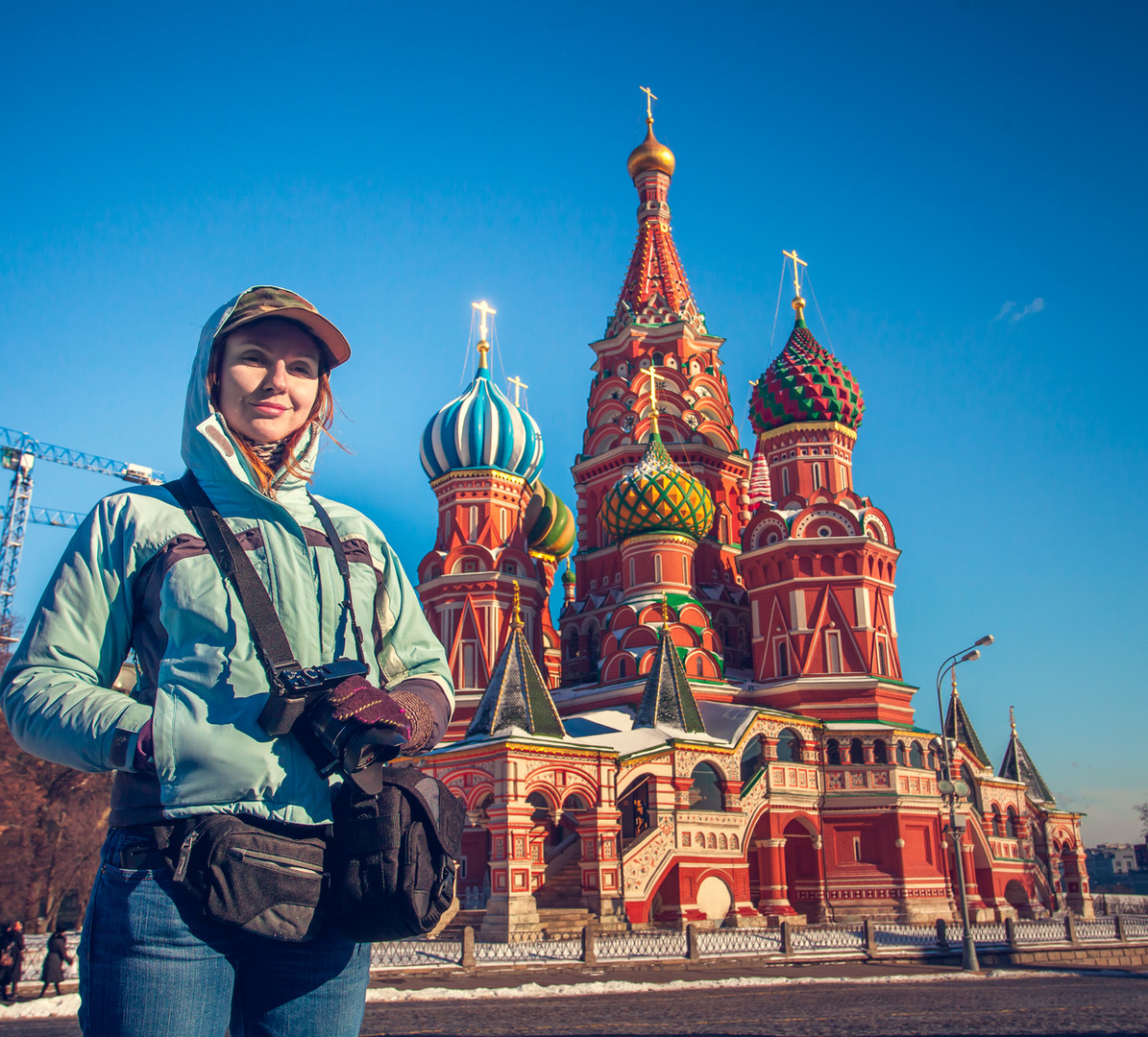 happy-young-woman-on-red-square-in-mosco