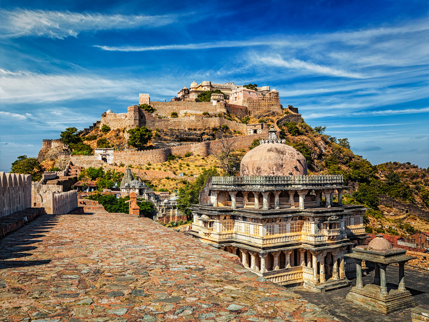 kumbhalgarh-fort-india-VYLPG37.jpg