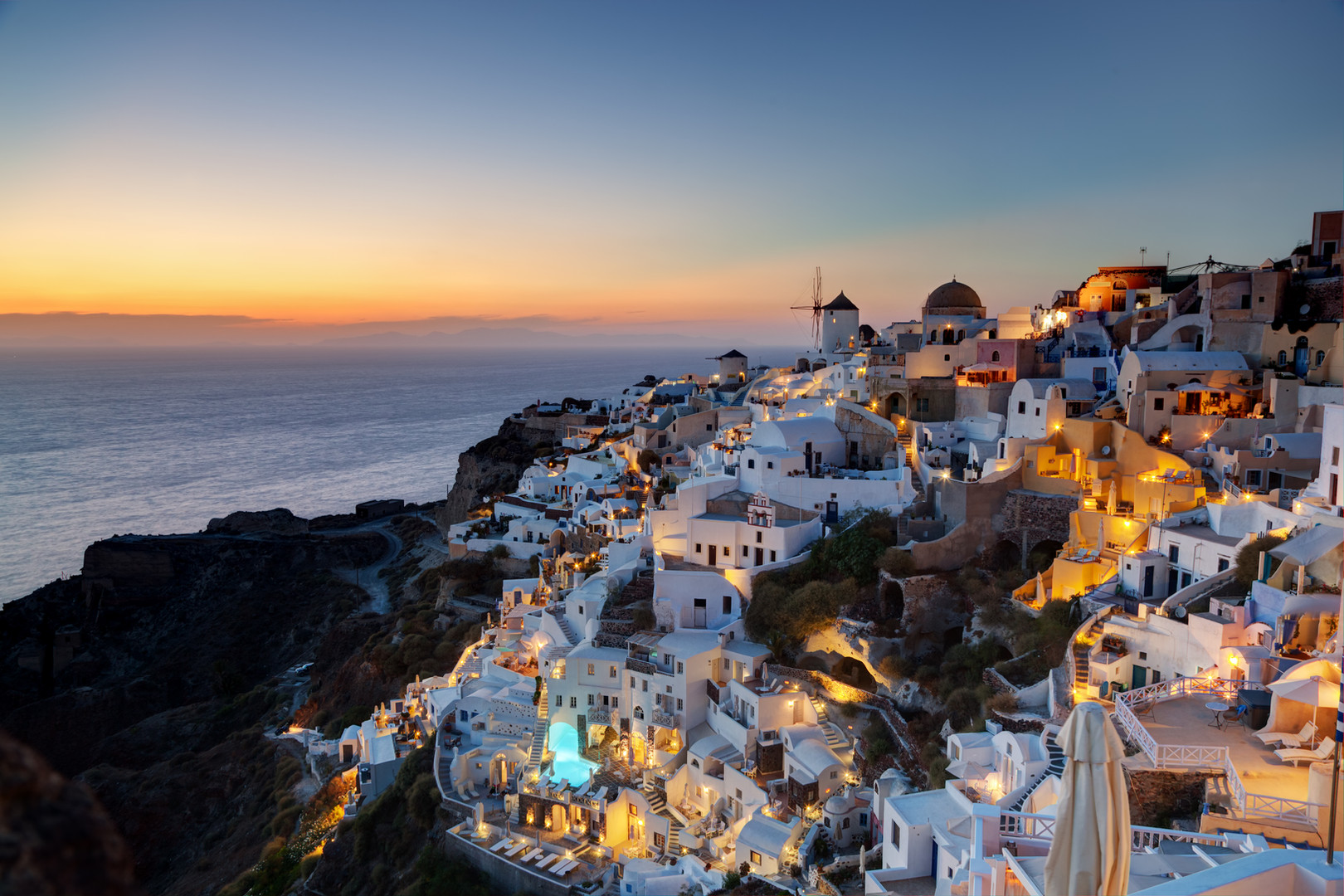 oia-town-on-santorini-island-greece-at-s