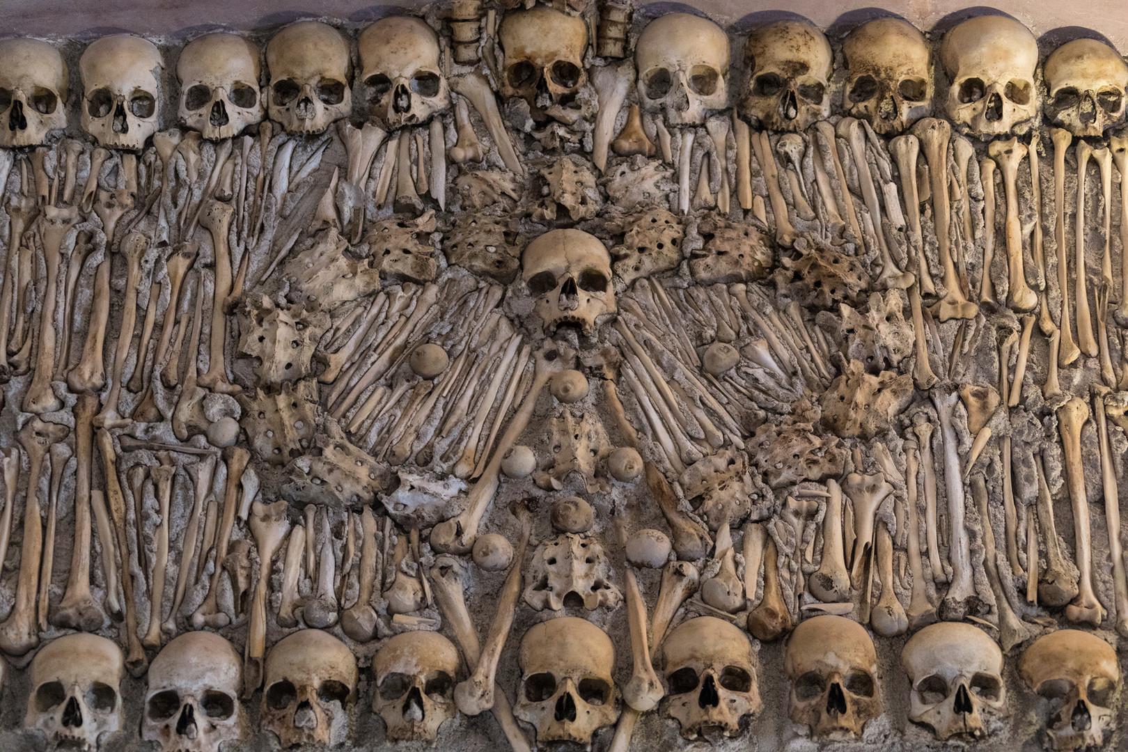 capela-dos-ossos-or-chapel-of-bones-is-o