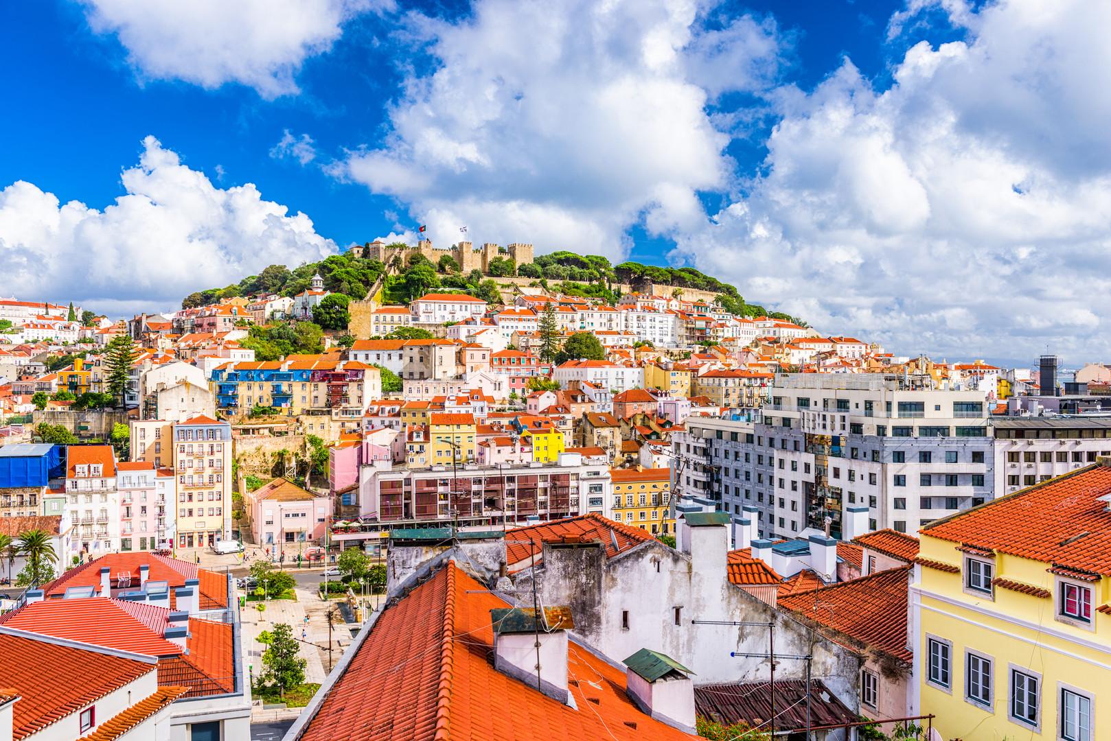 lisbon-portugal-city-skyline-PQRVKDF.jpg