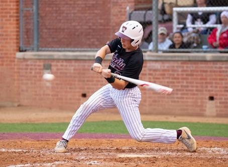 #3 Trinity Baseball Defeats LeTourneau to Remain Undefeated