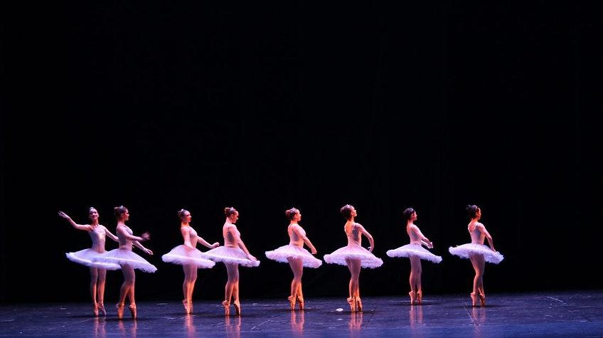 ballet-stage-1-1100x733_edited.jpg