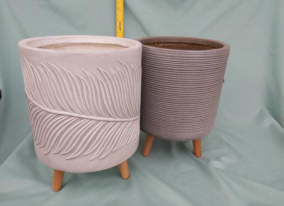"""10.5"""" Fibreclay Pot w. Wooden Legs"""
