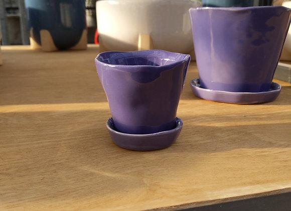 """2"""" ceramic Pot w. saucer"""
