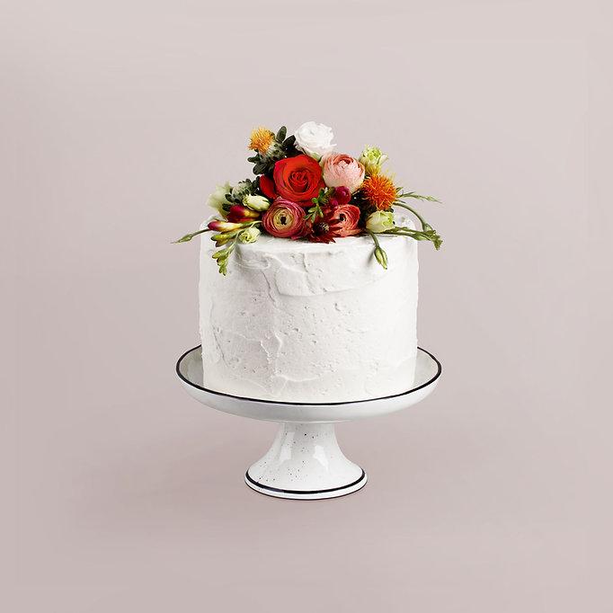 Bloemen versierde Cake