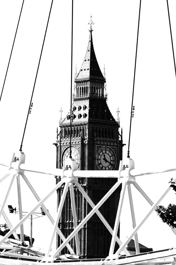 THE WHEEL 3 DISTORTED B@W.jpg