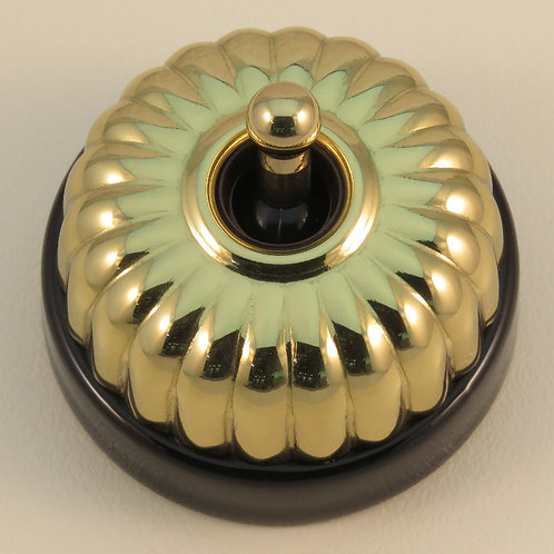Classic Electric - 20 Series - Porcelain Base Switch (Fluted Cover) - Black