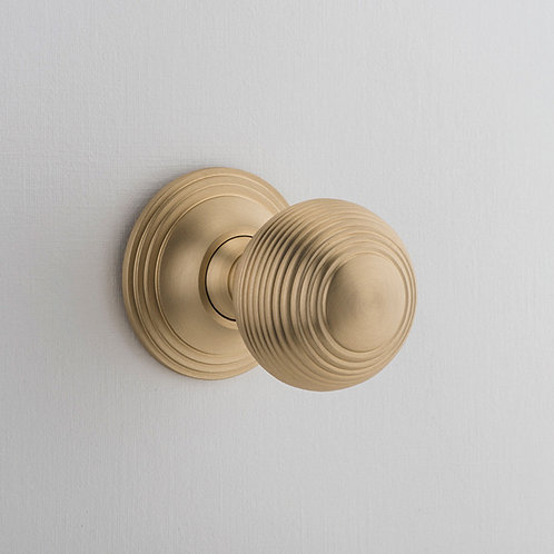 iver - Guildford Door Knob - Round Rose
