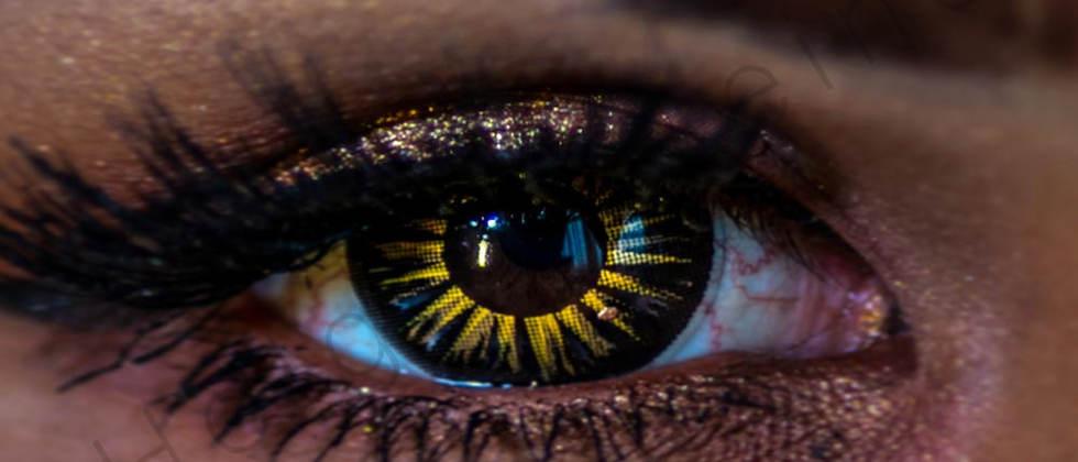 Close up to a female eye