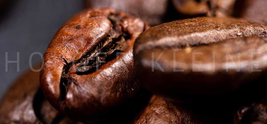 Macro photography of coffee beans in high resolution