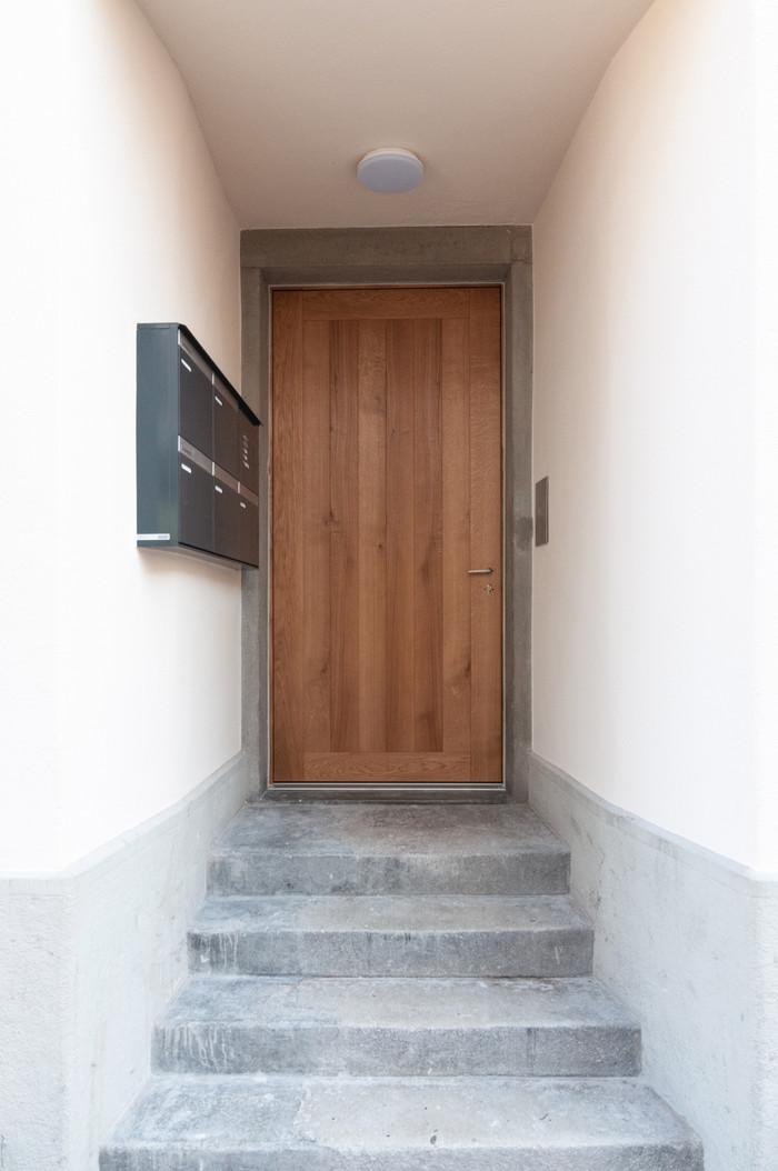 Hemmelerhaus Eingang mit neuer Türe