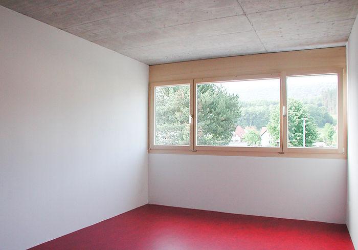 Betondecke, Linoleumboden, Naturholzfenster, EpprechtArchitekten AG, Einfamilienhaus Neubau, Dulliken, Solothurn.