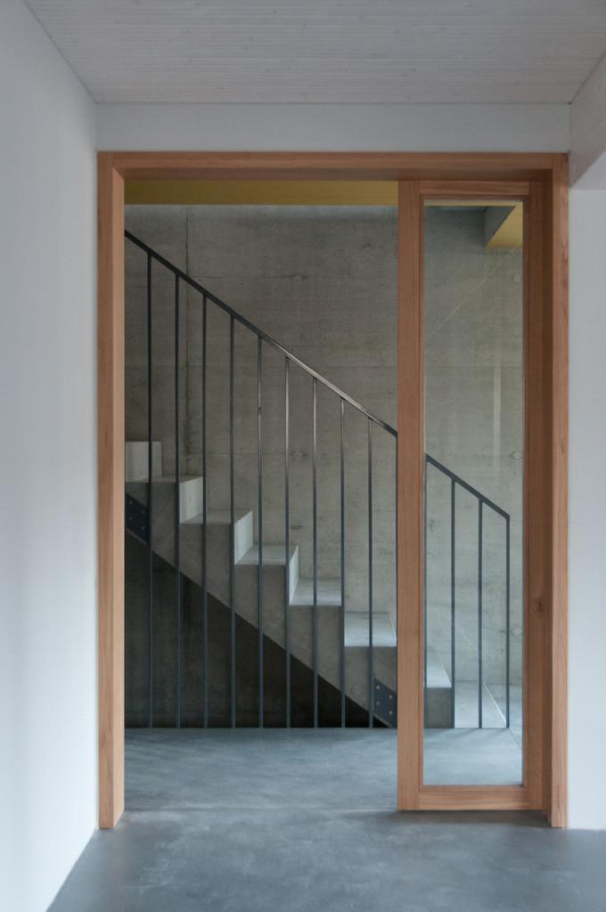 c3g_HBA_Blick in Treppenhaus EG.jpg