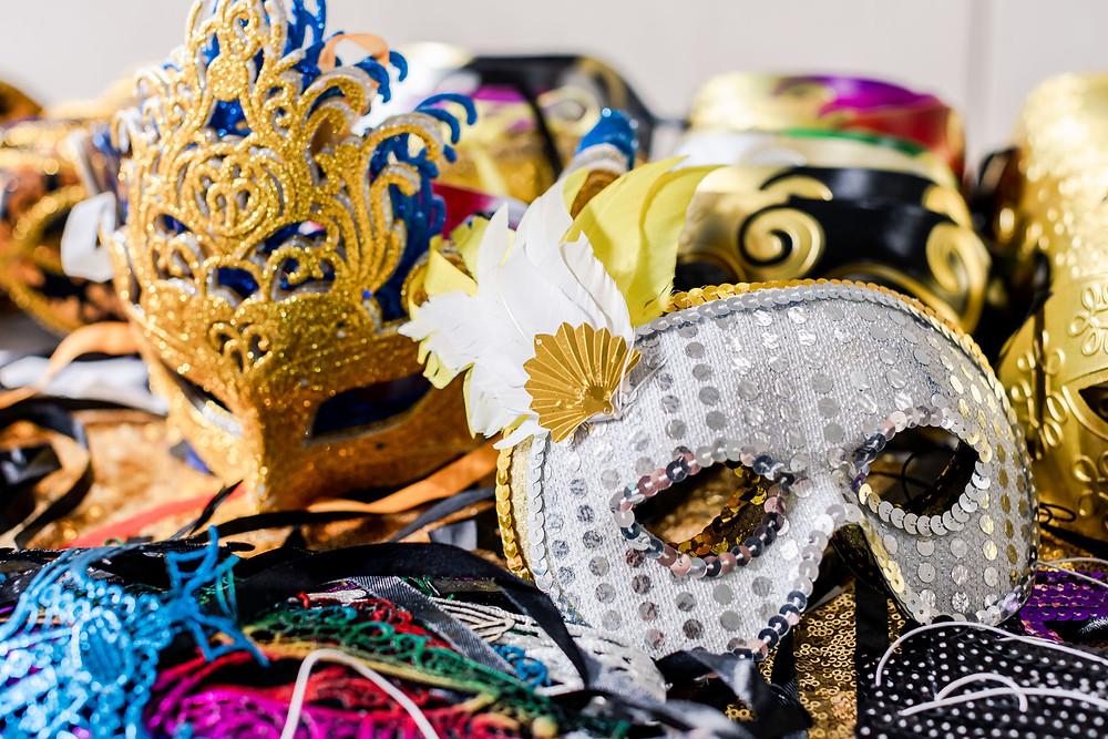 A Masquerade Quinceañera Schererville, IN HALLS OF ST GEORGE BICENNTENIAL PARK QUINCEAñERA