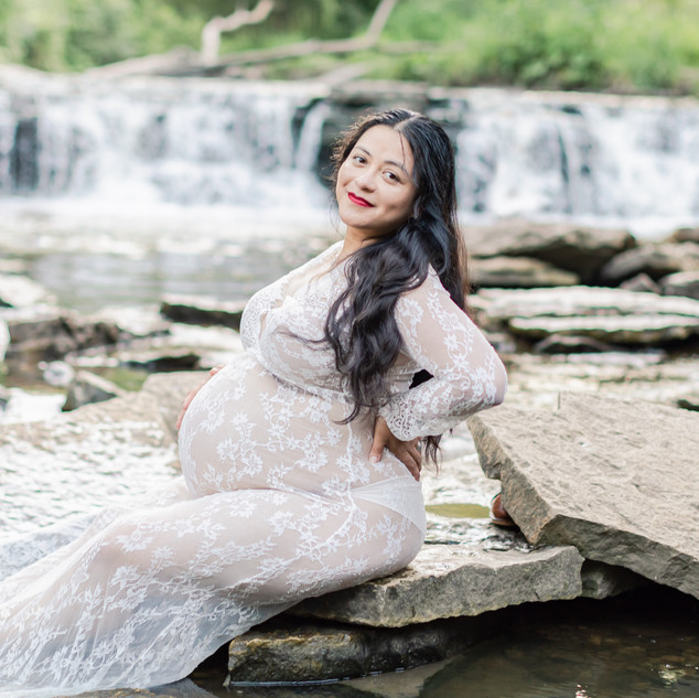 Waterfalls Maternity PIctures-220-Edit.j