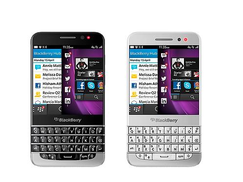 BlackBerry Q30 Mobile Phone