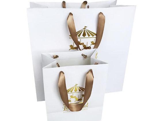 שקית נייר עם ידיות משי עם הדפסת זהב