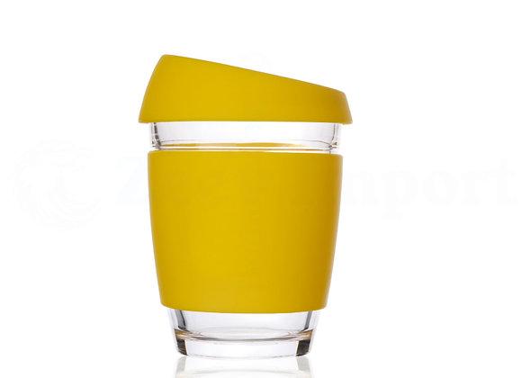 כוס זכוכית בצבע צהוב עם חבק ומכסה