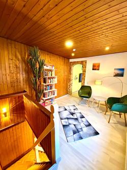 Lounge mit Treppe