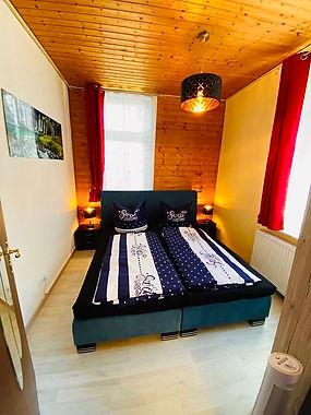 Schlafzimmer__1OG_1[1].jpg