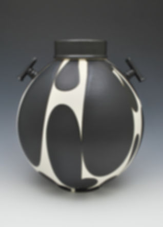 scott_sam_black and white jar with handl