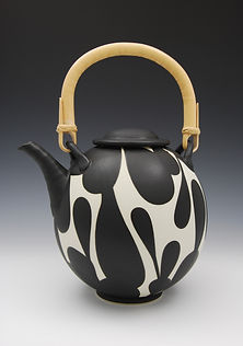 "3) B/W Teapot. 7.5"" tall to lid."