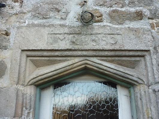 lodge farm house door head.jpg