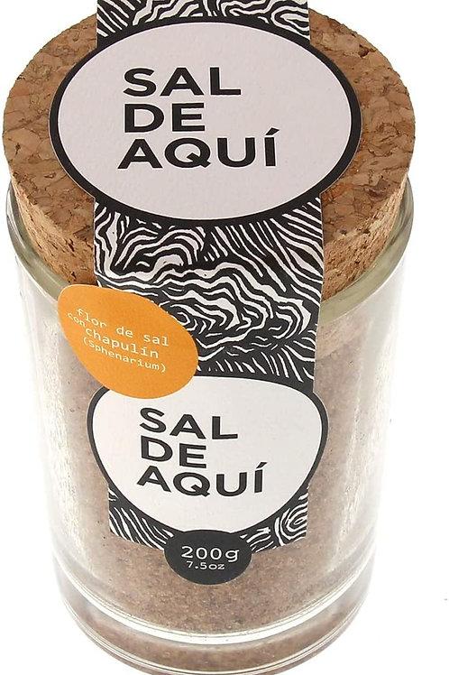 Flor de sal con chapulín