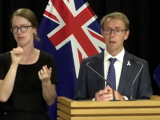 ASHLEY BLOOMFIELD, MICHELLE DICKINSON & JACINDA ARDERN HELP DEMONSTRATE WHY FACE MASKS DON'T WORK