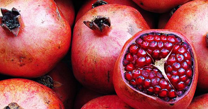 Pomegranate: Evidence-Based Benefits of This Antioxidant Superstar