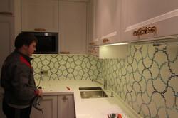 кухня белого цвета в стиле НЕО