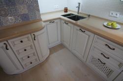 деревянная кухня белого цвета