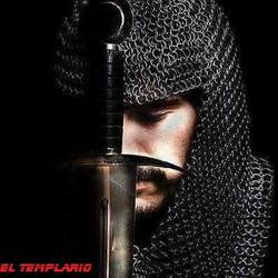 Templario Rezando