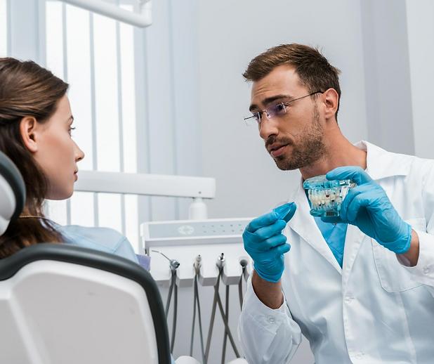 Invisalign   Moonstone Dental   Dentist   Dental Clinic   Oakville   Mississauga