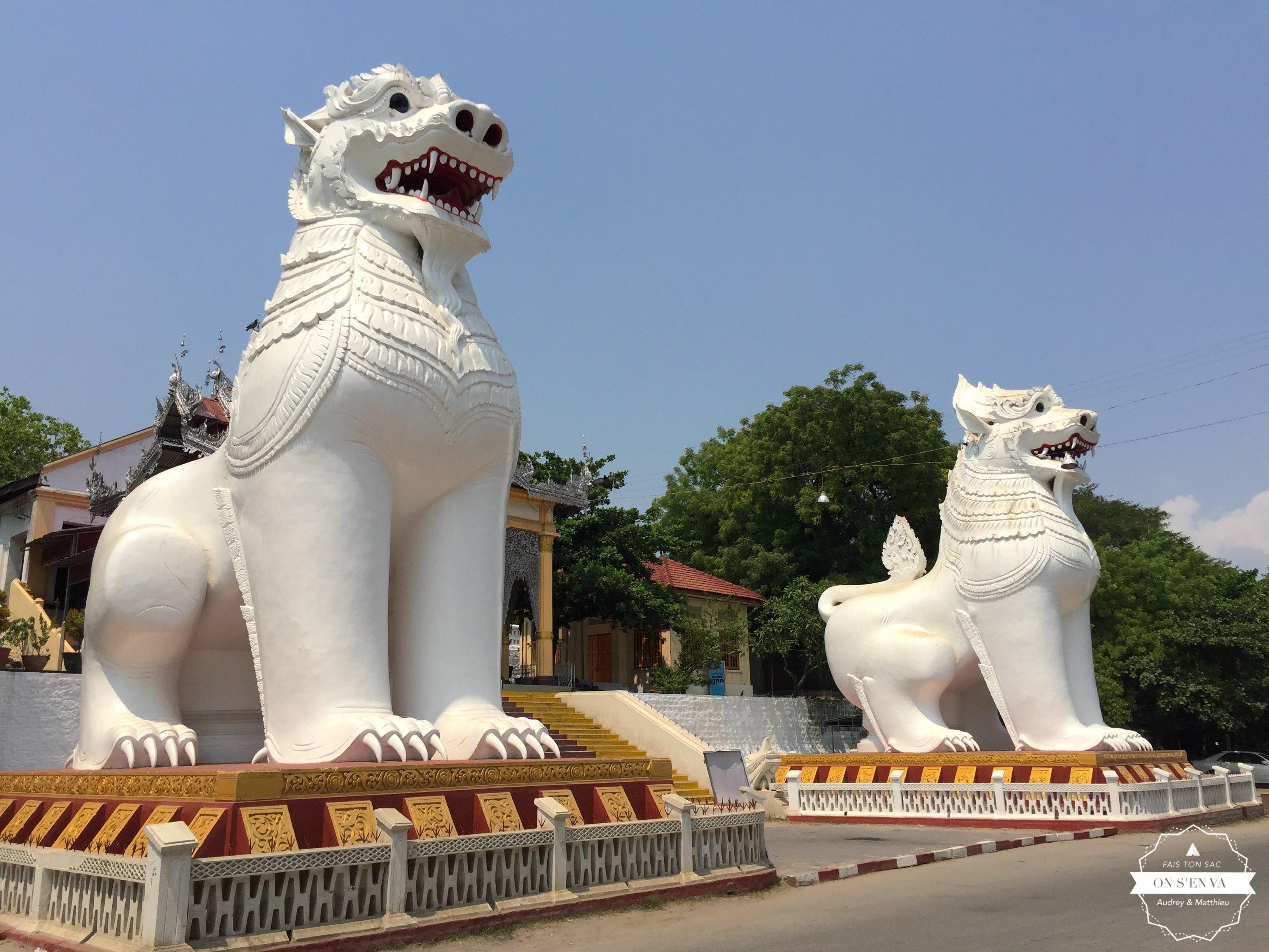 Au pied de Mandalay Hill