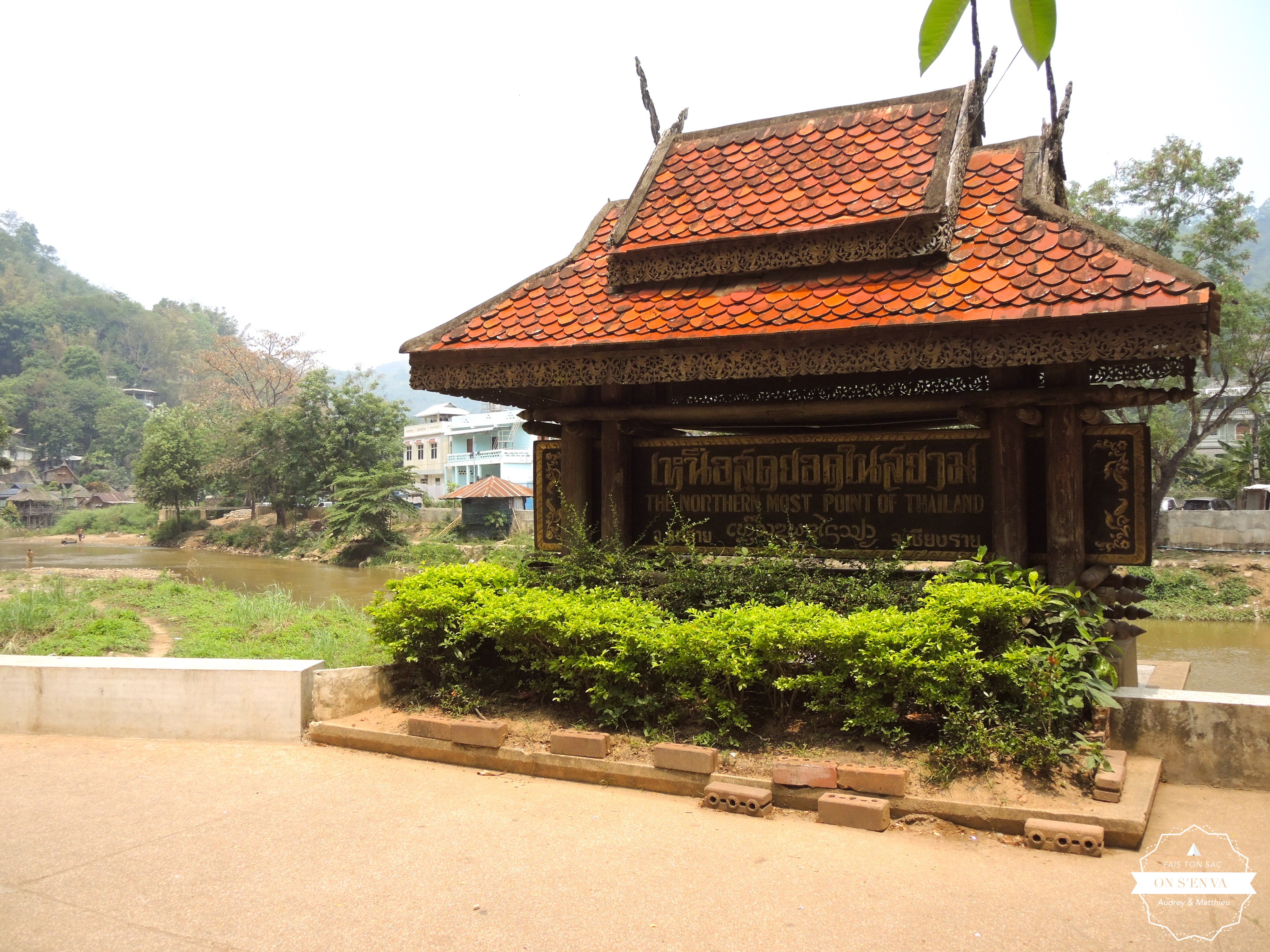 Mae Sai avec le Myanmar en fond