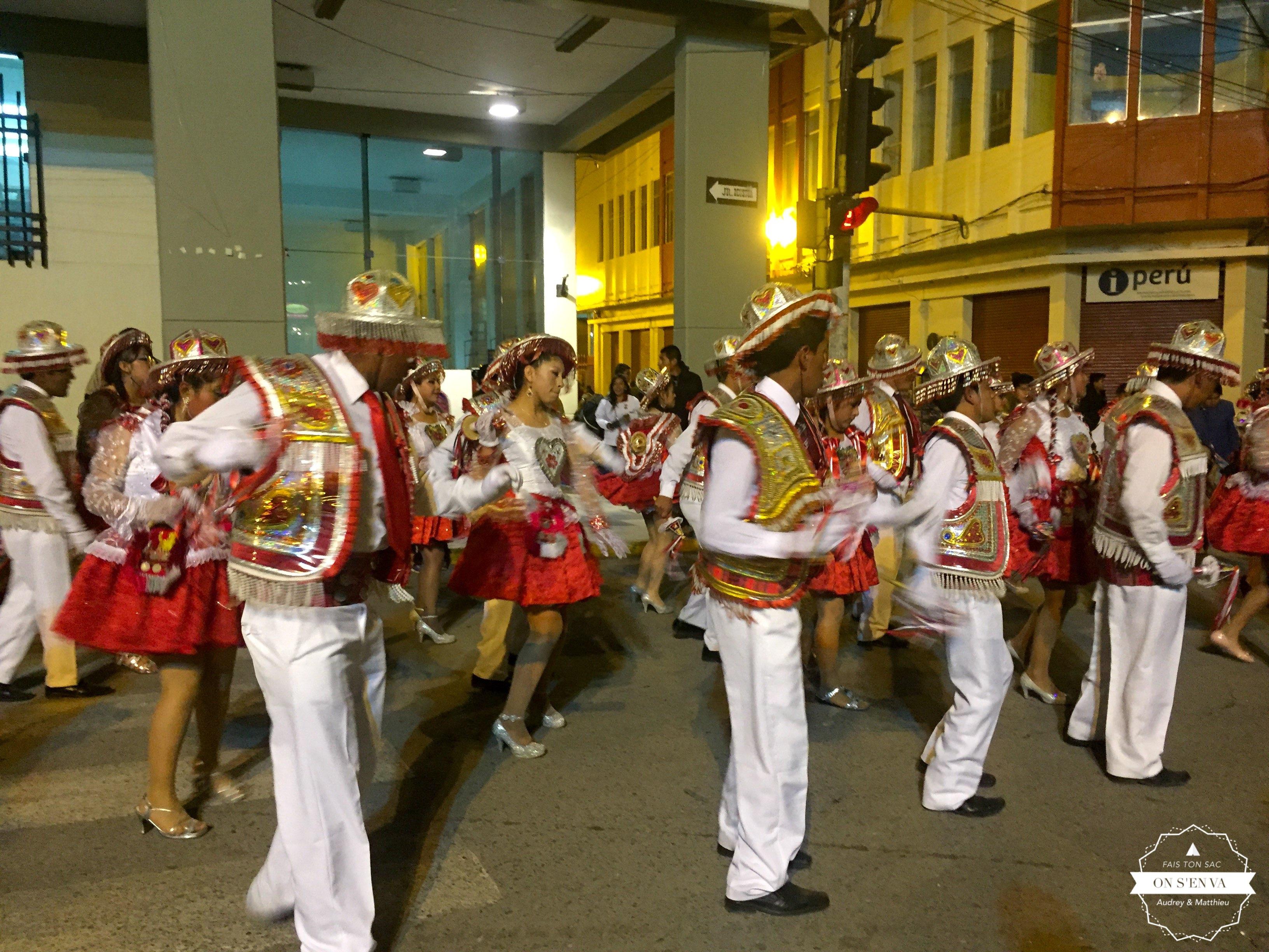 Soirée de fête à Puno