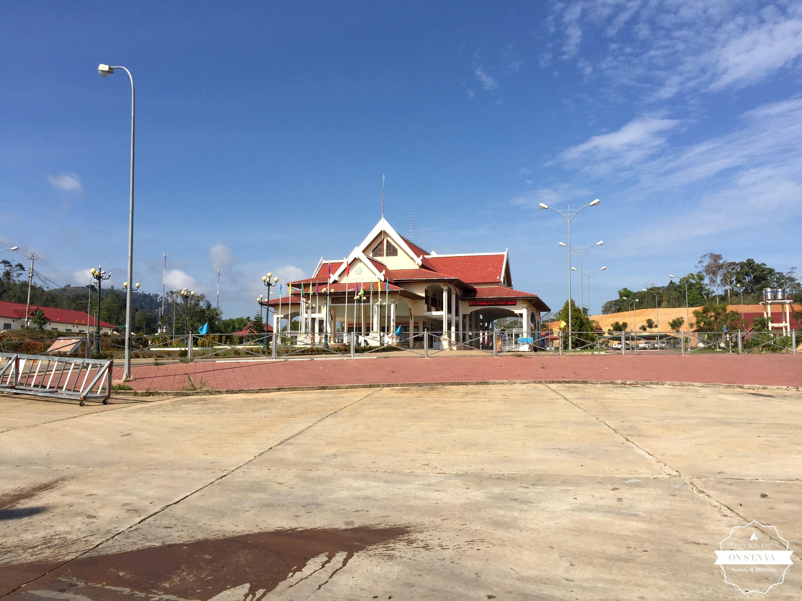 Passage de frontière à Phou Keau
