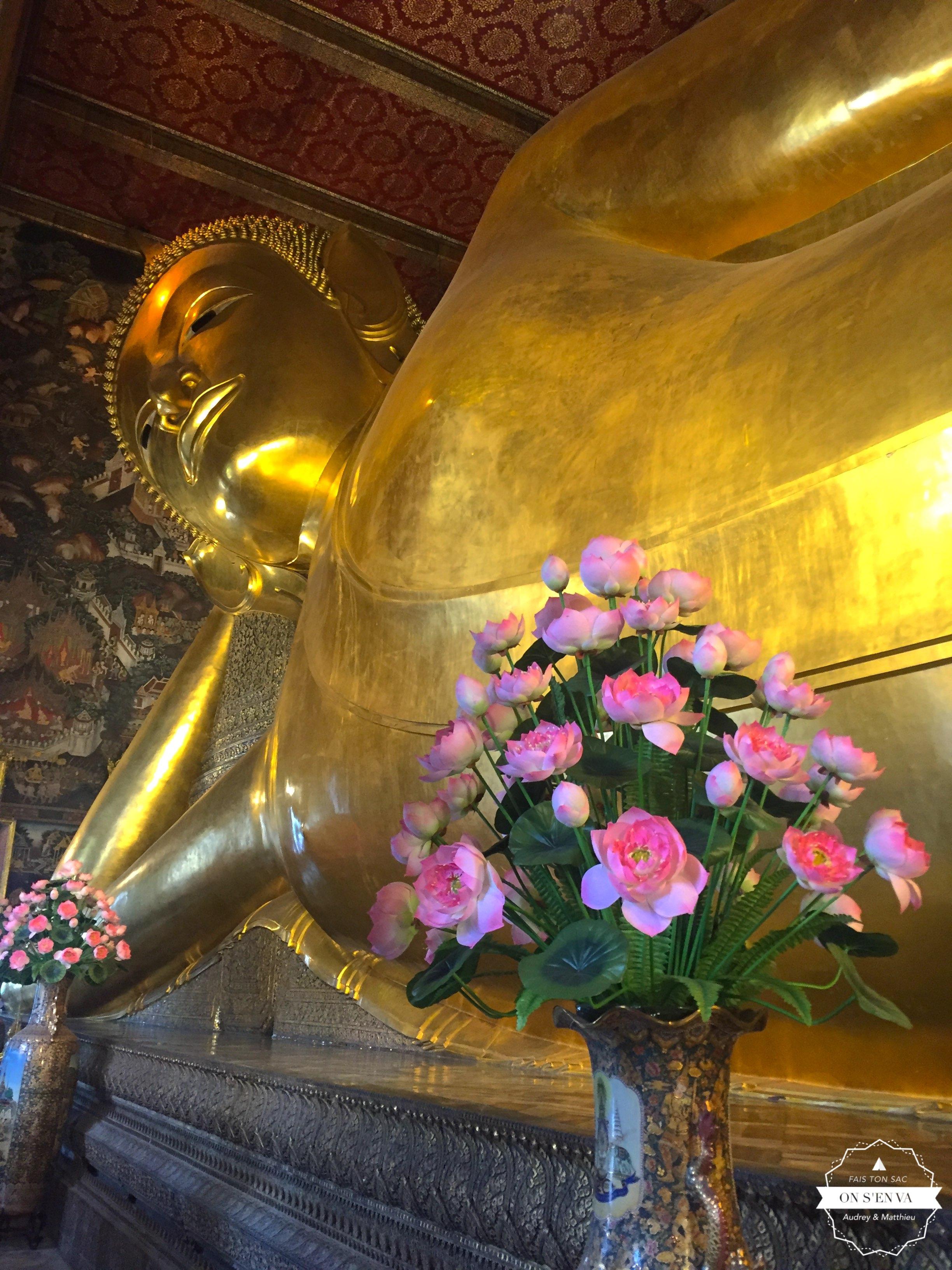 et de son immense Bouddha
