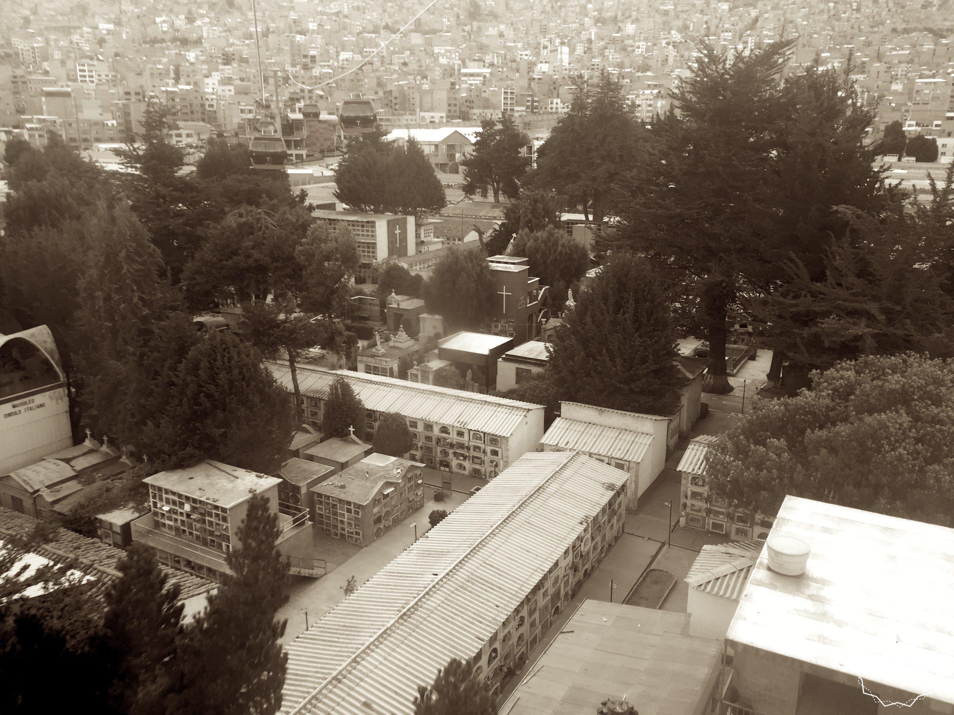 Une partie de l'immense cimetière