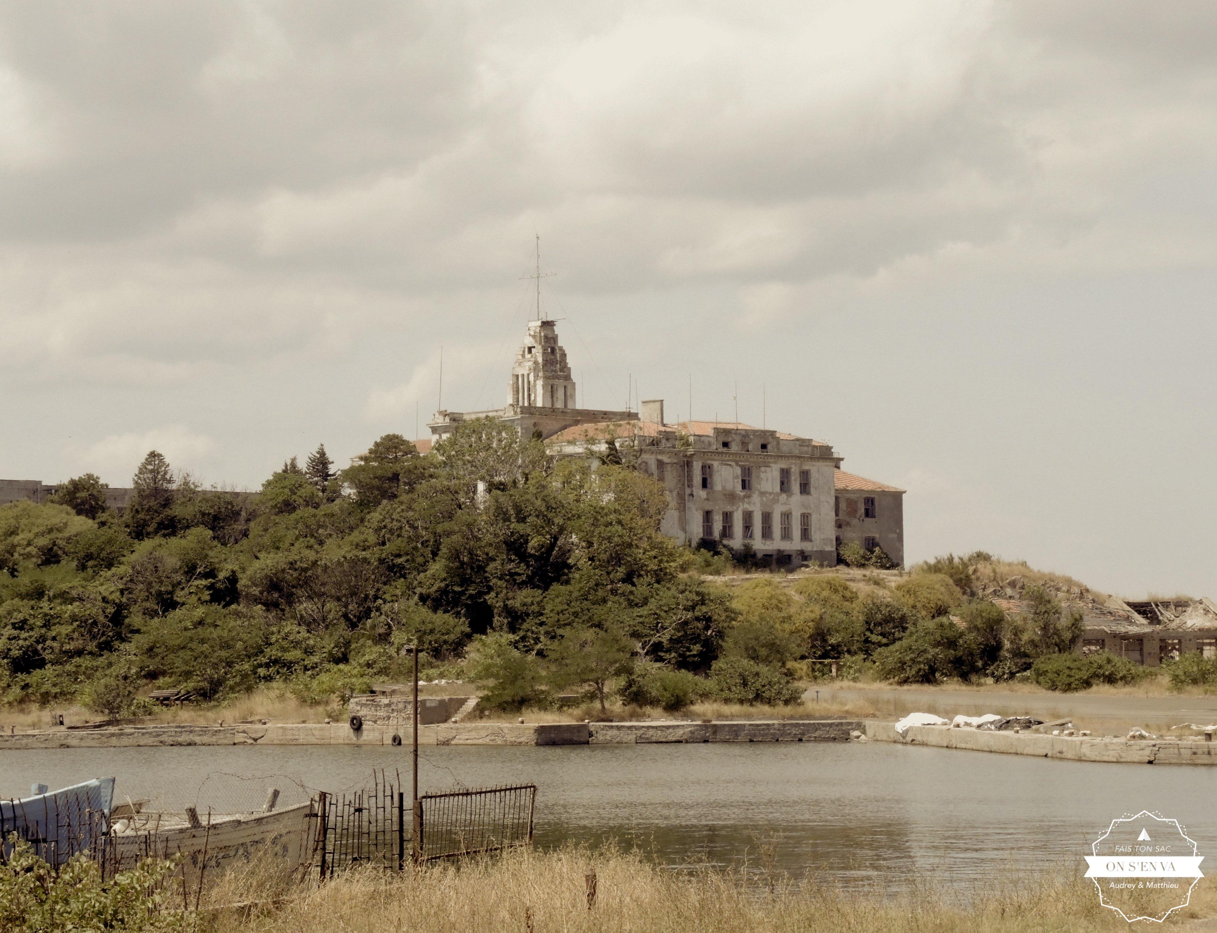 Un bâtiment abandonné, Sozopol