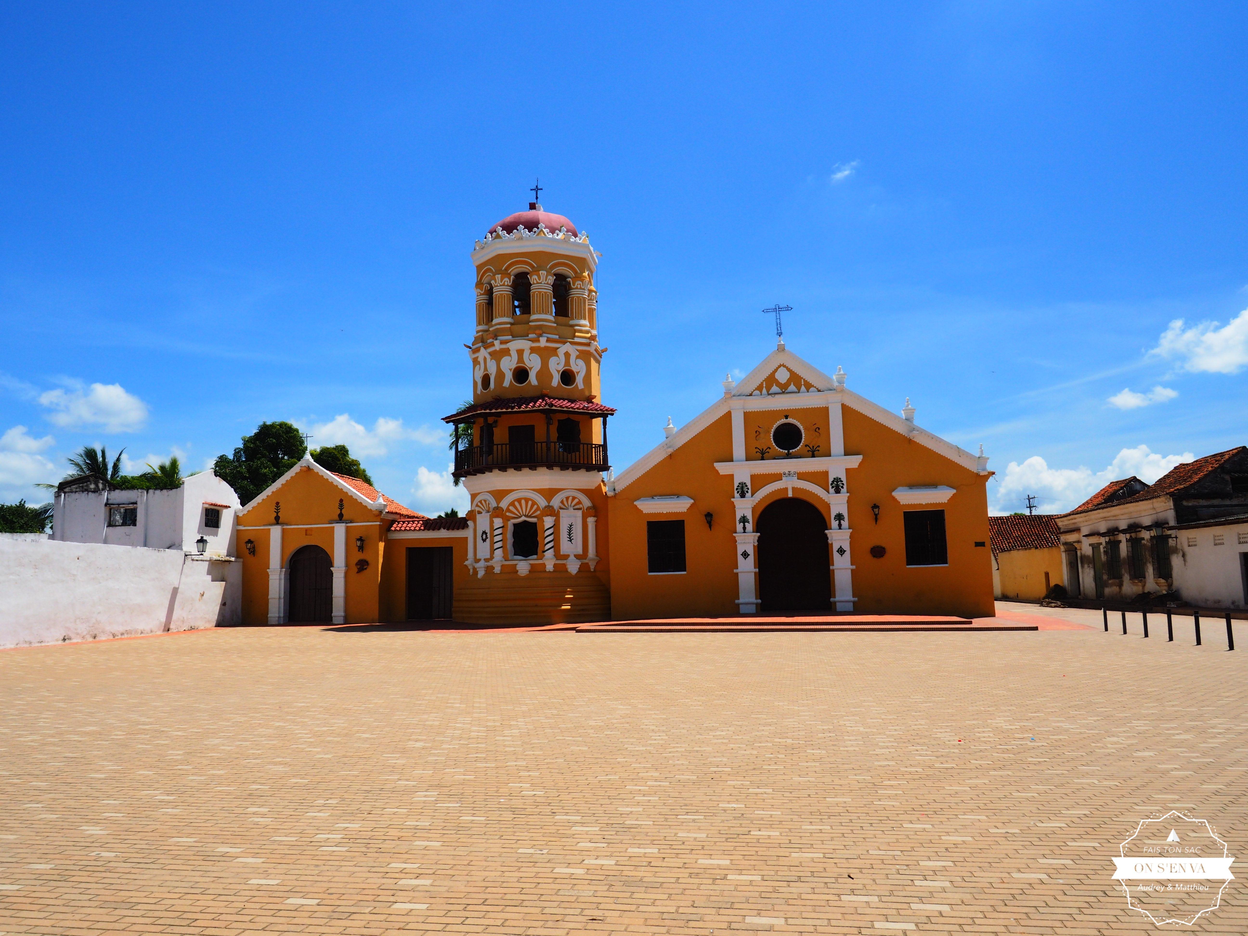 Une des nombreuses églises de Mompoz