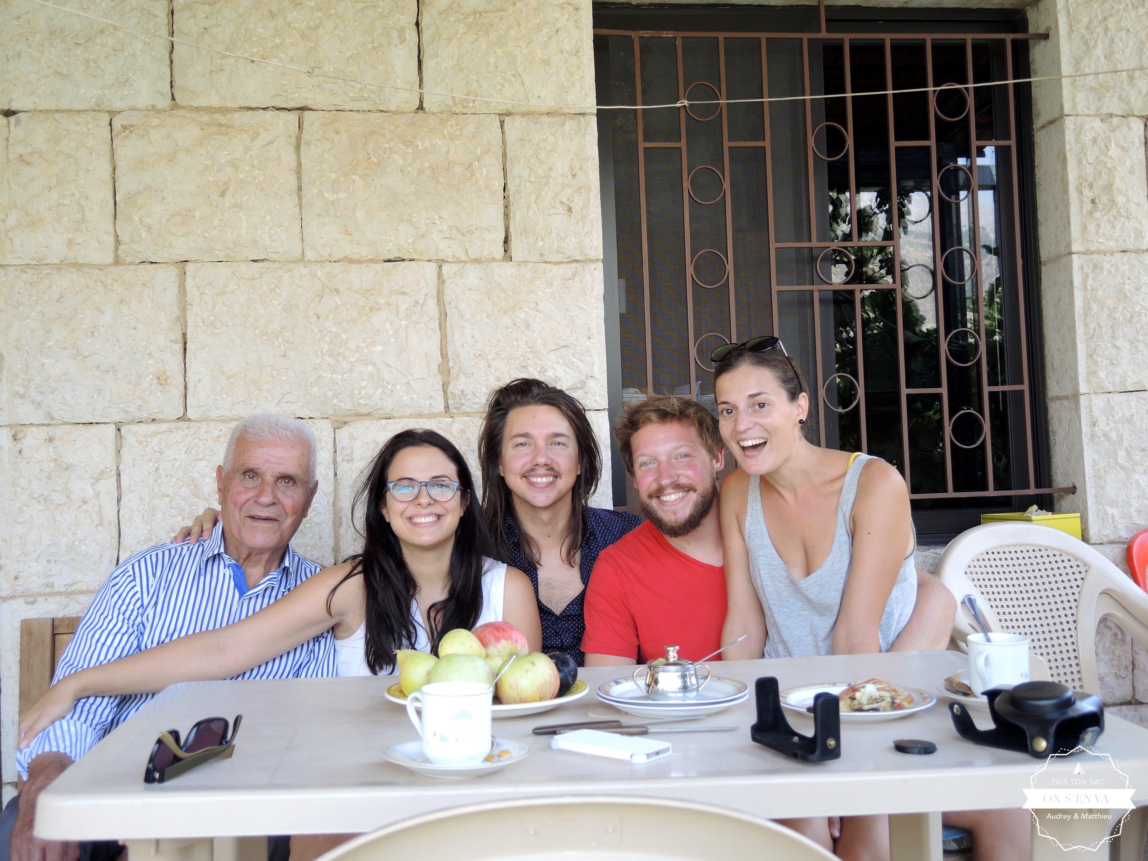 Photo de famille avec Joëlle et Juan