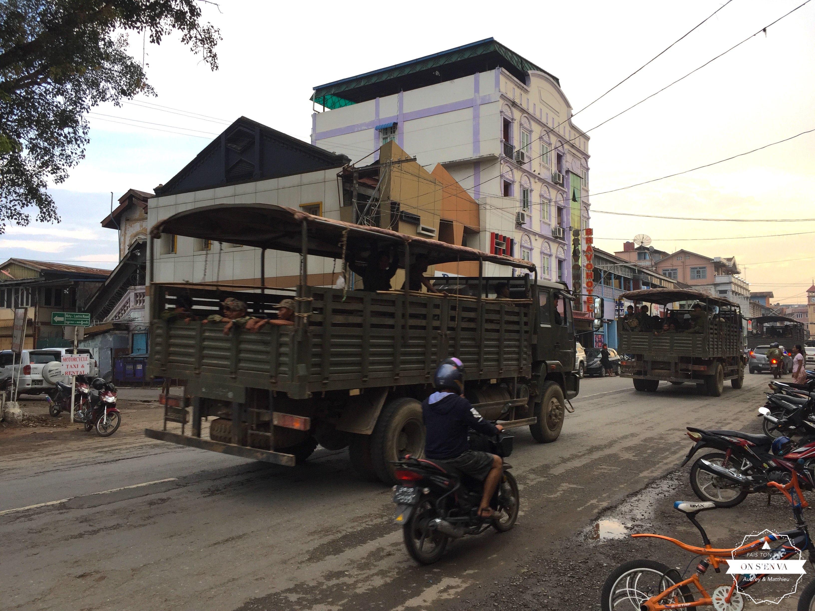Camions de militaires