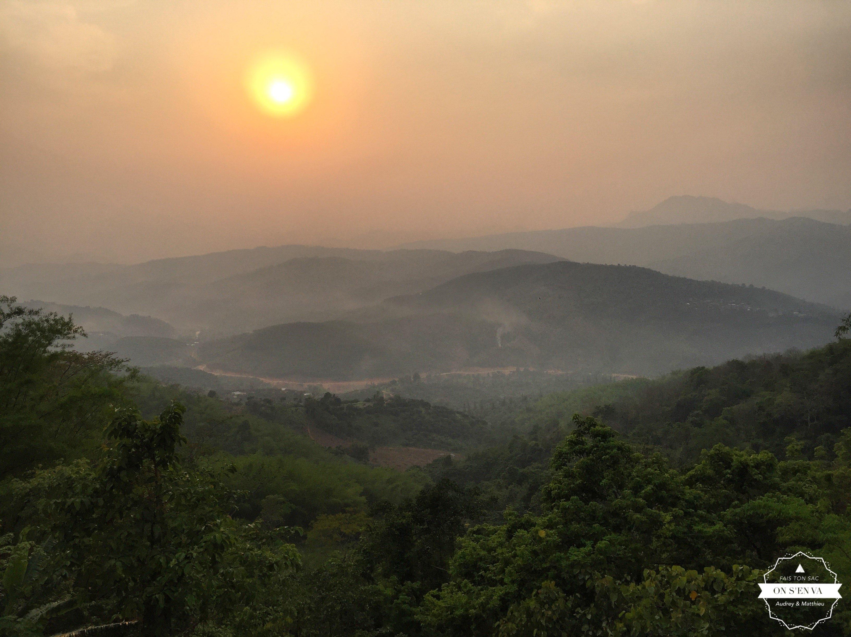 Le Myanmar au loin...